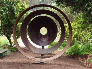 Mendo sculpture