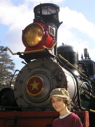 Train (18)
