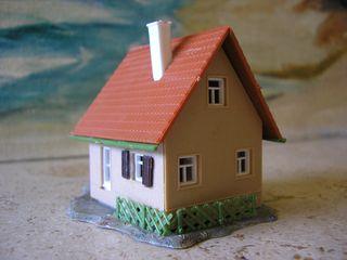 A train house (3)