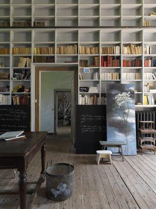 Claire-basler-shelves